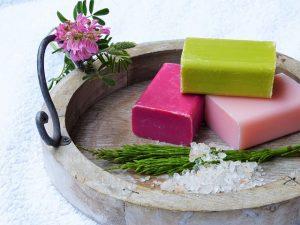 Un jabón natural con los elementos correctos cura la dermatitis